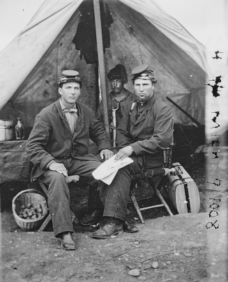 Unidentified members of the 4th Michigan